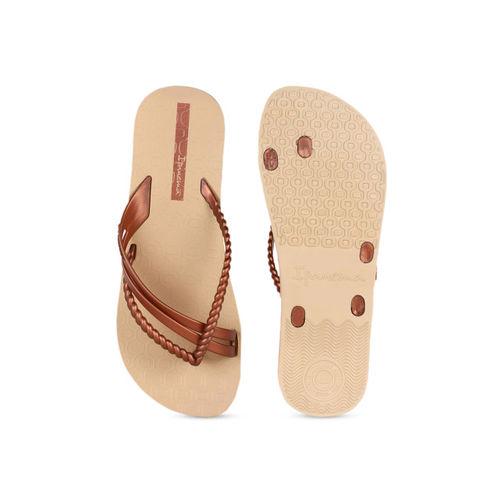 iPanema Women Brown Solid One Toe Flats