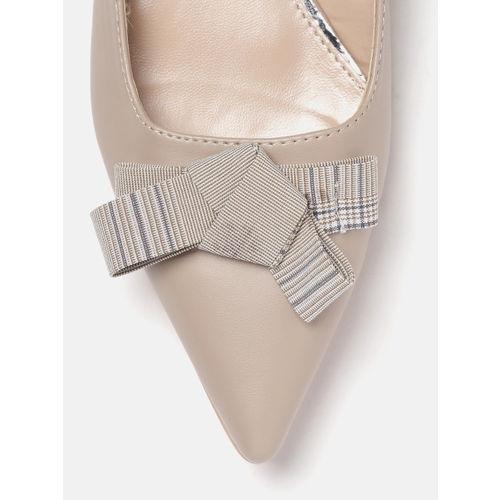 DressBerry Women Beige Solid Flats