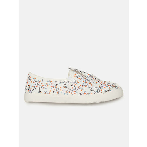 DressBerry Women White Slip-On Sneakers