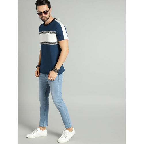 Roadster Men Blue & White Colourblocked Round Neck T-shirt