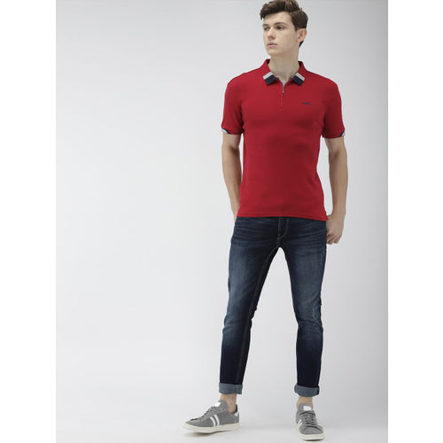 Levis Men Red Solid Slim Fit Polo Collar T-shirt