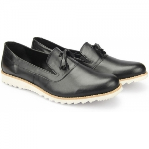 Knotty Derby Colin Tassle Loafers For Men