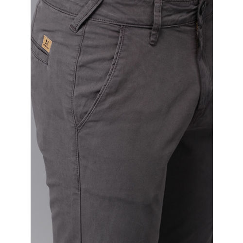 HERE&NOW Men Charcoal Grey Slim Fit Solid Chinos