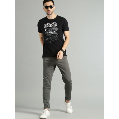 Roadster Men Charcoal Grey Regular Fit Solid Chinos
