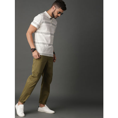 Roadster Men Olive Green Solid Chinos