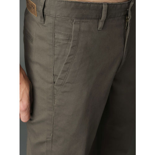 Roadster Men Charcoal Regular Fit Solid Chinos