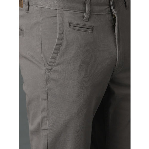Roadster Men Charcoal Solid Chinos