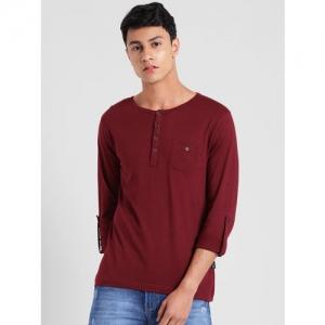 Rigo Men Maroon Solid Henley Neck T-shirt