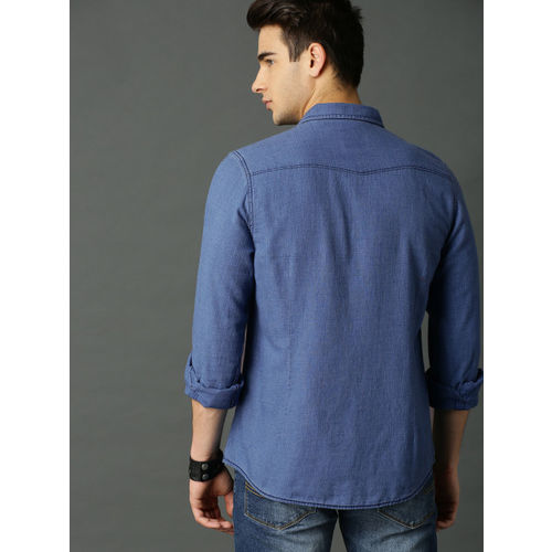Roadster Men Blue Regular Fit Solid Chambray Casual Shirt