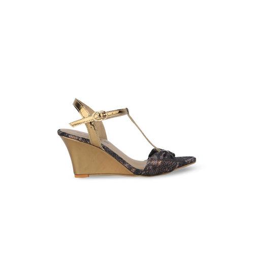 SOLES Women Brown Printed Wedges