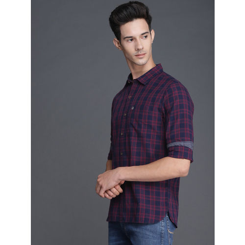 WROGN Men Maroon & Navy Blue Slim Fit Checked Casual Shirt
