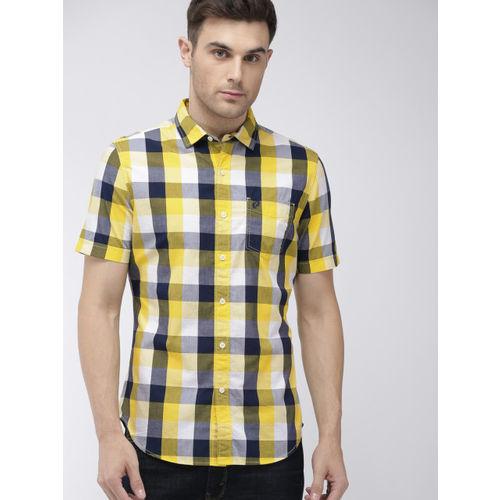 Denizen From Levis Men Yellow & Blue Regular Fit Checked Casual Shirt