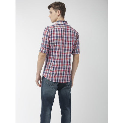 Flying Machine Men Red & Navy Blue Regular Fit Checked Casual Shirt