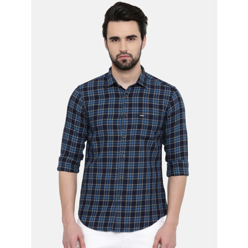 IMYOUNG Men Navy Blue Slim Fit Checked Casual Shirt