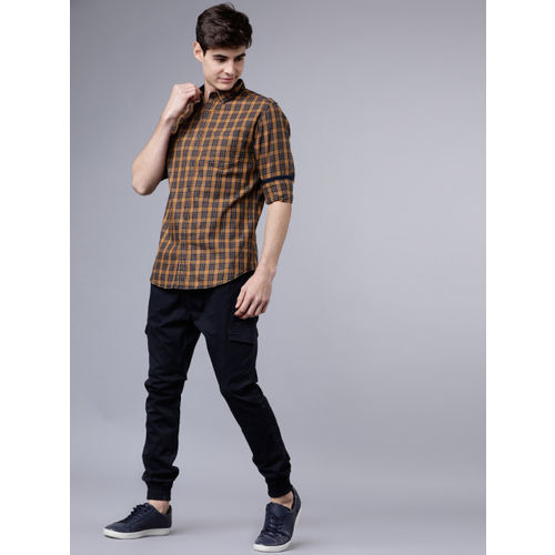 LOCOMOTIVE Men Brown & Navy Blue Slim Fit Checked Casual Shirt