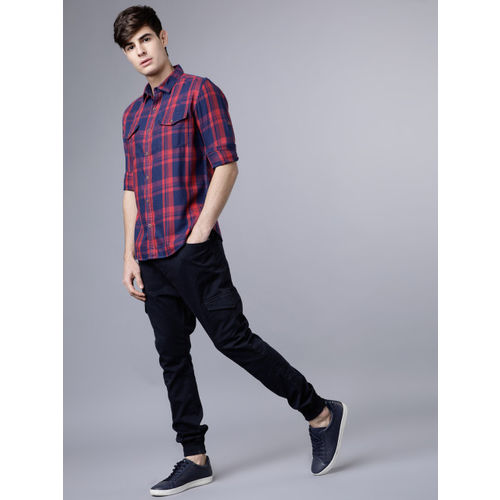 LOCOMOTIVE Men Navy Blue & Red Slim Fit Checked Casual Shirt