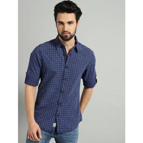 Roadster Men Navy Blue & Pink Regular Fit Checked Casual Shirt