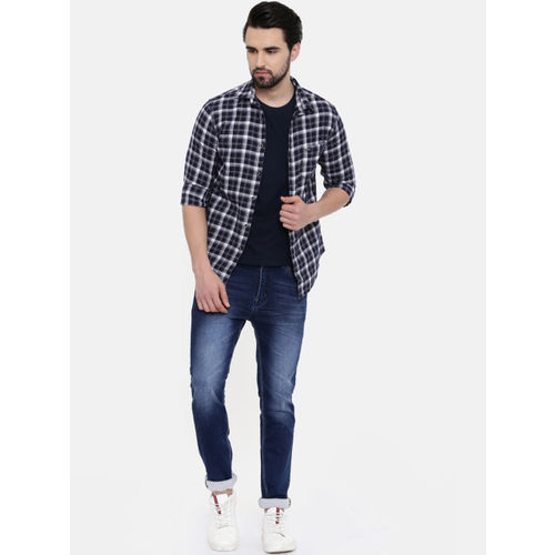 IMYOUNG Men Navy Blue & White Slim Fit Checked Casual Shirt