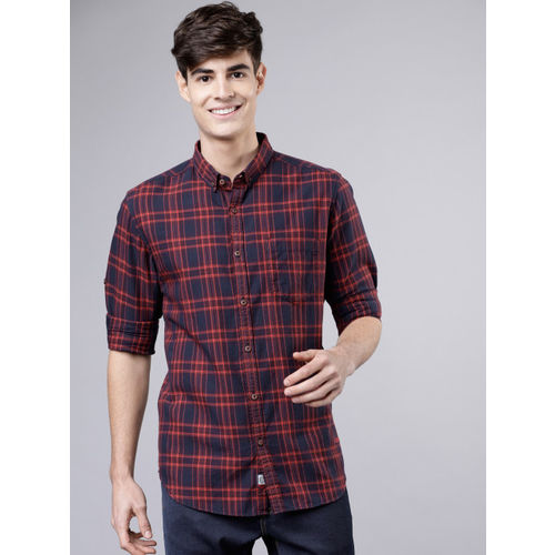 LOCOMOTIVE Men Red & Navy Blue Slim Fit Checked Casual Shirt