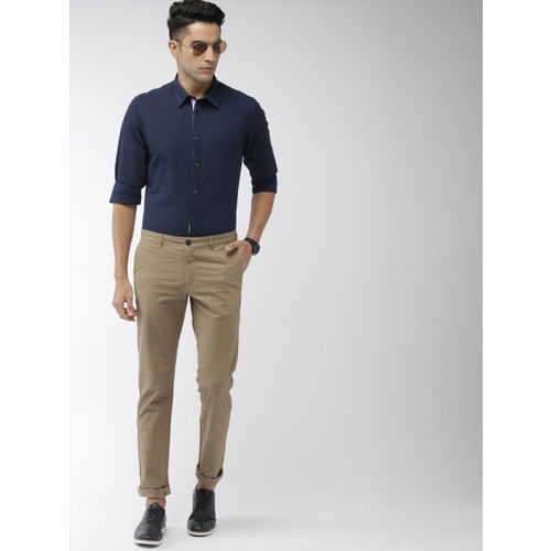 Indian Terrain Men Navy Blue Chiseled Fit Solid Casual Shirt