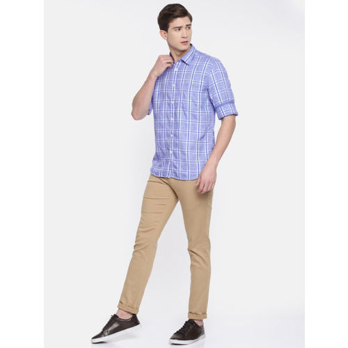 Parx Men Blue & White Slim Fit Checked Casual Shirt