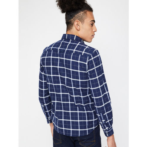 CODE by Lifestyle Men Navy Blue & White Regular Fit Checked Casual Shirt