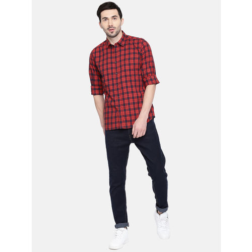 Parx Men Red & Navy Blue Slim Fit Checked Casual Shirt