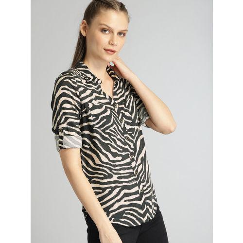 Roadster Women Green & Beige Regular Fit Printed Casual Shirt