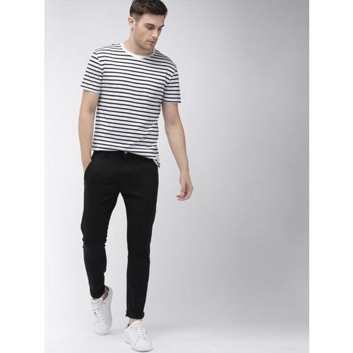 Denizen From Levis Men White & Navy Blue Striped Round Neck T-shirt