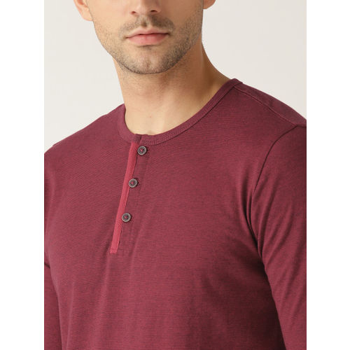 United Colors of Benetton Men Maroon Solid Henley Neck T-shirt