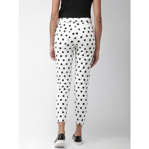 FOREVER 21 Women White & Black Tapered Fit Printed Cigarette Trousers