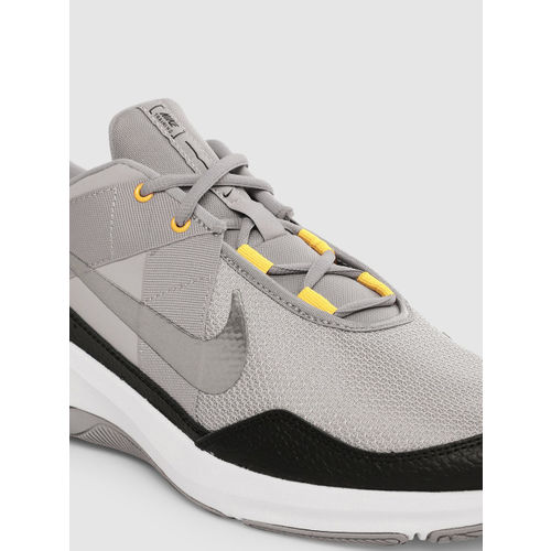 Nike Men Grey Leather AIR MAX ALPHA Leather Training Shoes