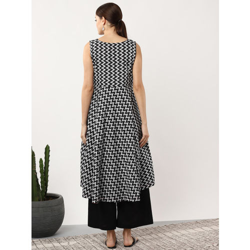 Sangria Women Black & White Chevron Print A-Line Kurta