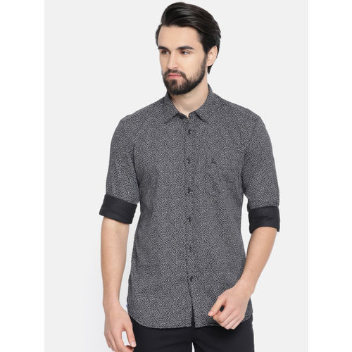 Parx Men Black & White Slim Fit Printed Casual Shirt