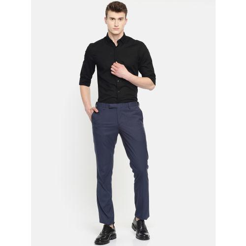 INVICTUS Men Black Slim Fit Solid Smart Casual Shirt
