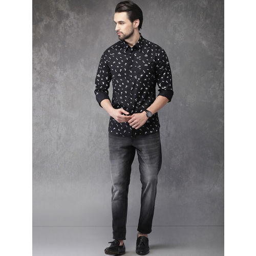 Anouk Men Black & White Regular Fit Printed Casual Shirt