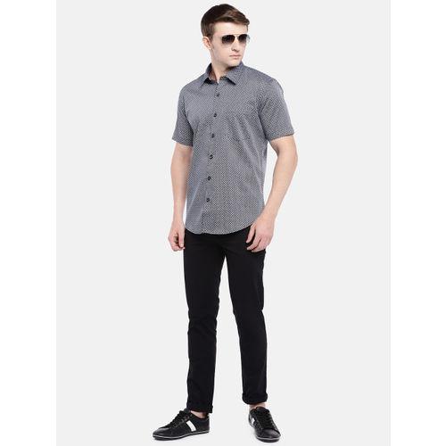 Provogue Men Black & White Slim Fit Printed Casual Shirt