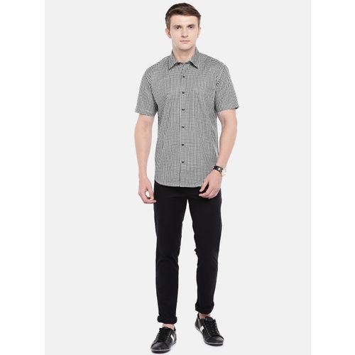 Provogue Men Black & White Contemporary Slim Fit Checked Casual Shirt