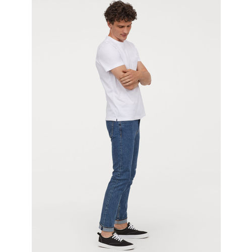 H&M Men White Solid T-shirt With A Chest Pocket
