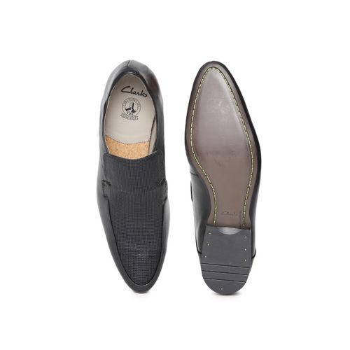 Buy Clarks Men Black Textured Leather