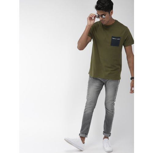 Tommy Hilfiger Men Olive Green Round Solid Neck T-shirt