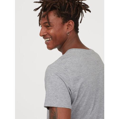 H&M Men Grey Solid T-shirt With a Motif