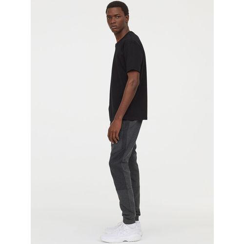 H&M Men Black Solid Cotton T-shirt