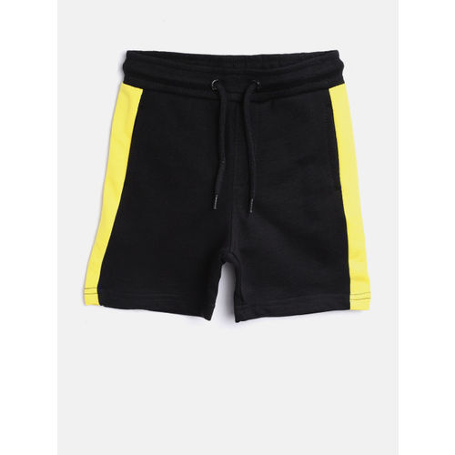 Juniors by Lifestyle Boys Black Solid Shorts