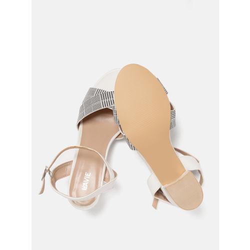 Lavie Women White & Black Checked Heels