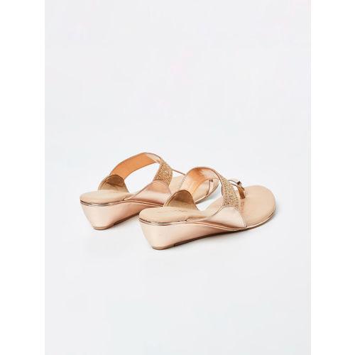Melange by Lifestyle Women Gold-Toned Woven Design Heels