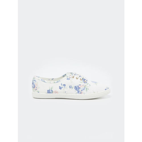 Ginger by Lifestyle Women White Sneakers