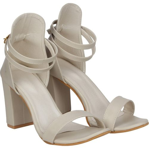 Misto Women Off White Heels