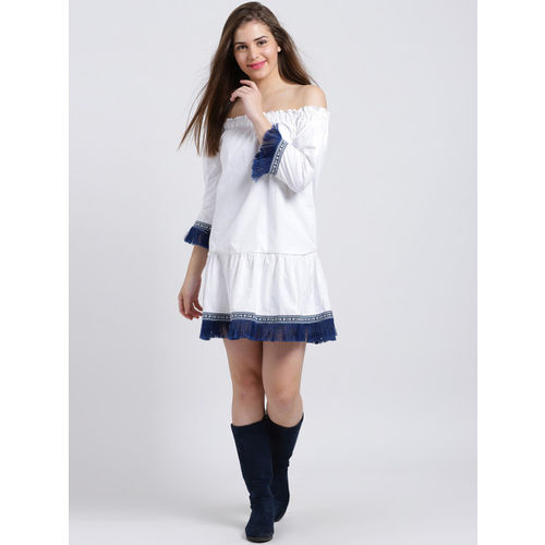 Sibi Women White Solid Drop-Waist Dress