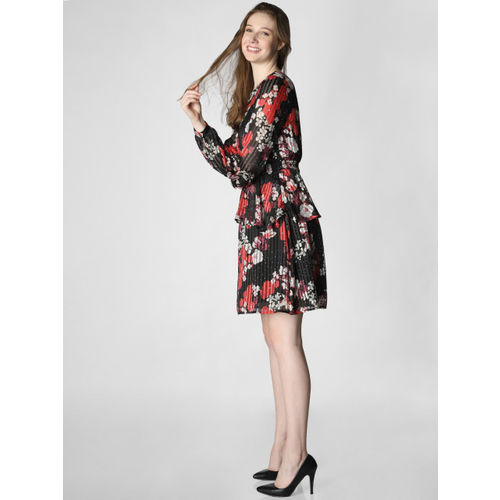 Vero Moda Women Black & Red Printed Fit and Flare Dress